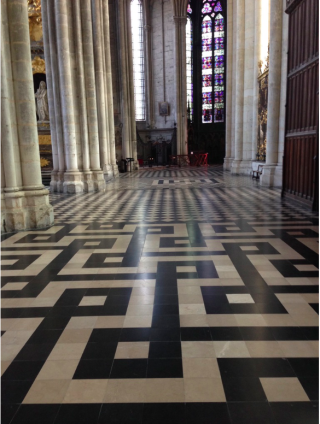 Amiens Cathedral.black & white floor.Oct 2017