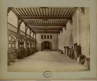 Pierrefonds.Salle des gardes.Showing off old stonework