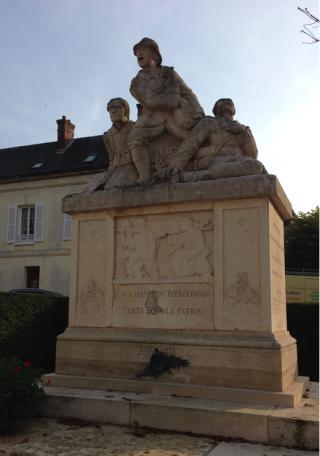 Pierrefonds.World War I memorial.17 OCT 2017