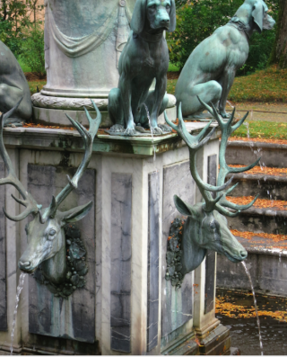 Fontainebleau.peeing dogs and spitting stag.Fountain of Diana.Oct 2017
