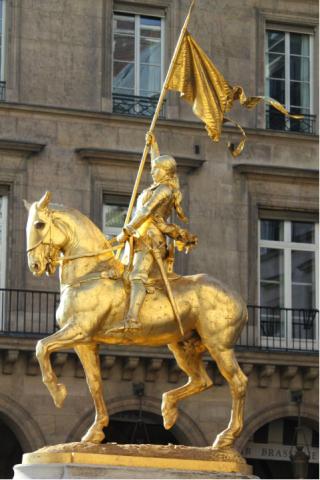 Jeanne d'Arc.Place des Pyramides