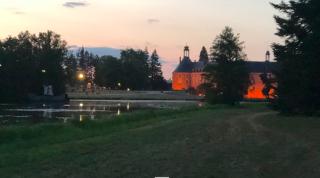 Saint-Fargeau.view of château from lake walk.26AUG2018
