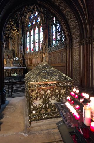 Paris.Eglise St-Etienne du Mont.tomb of Ste Genvieve.12Feb2018