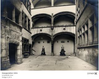 Lyon.courtyard of Hotel Gagdagne.1921