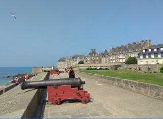 Bastion de la Hollande.cannons.grass.google