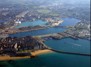 St Malo--aerial view from NW towards mainland.wikipedia
