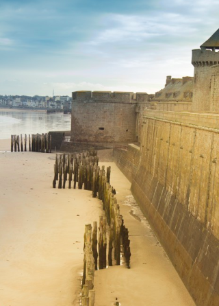 St Malo.piles protecting citadel wall.internet