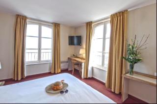 Saint Malo.Hotel de la Cité.room with sea view.booking.com