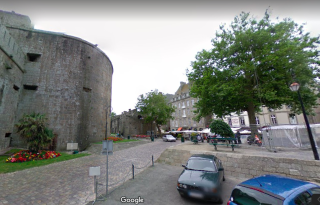 St-Malo.Place Chateaubriand.google