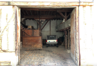 Auxerre.interior of old stables.Sept2018