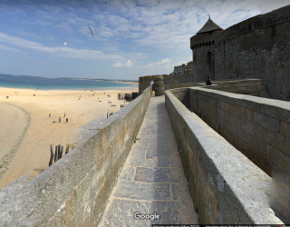 Saint-Malo.ramparts walk to Porte St Thomas.google