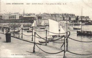 St-Malo.carte postale.pre-1944 view of Mole