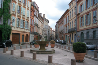 Toulouse.18c street scene.June2010
