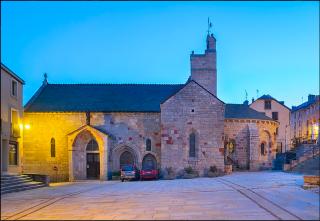 St-Alban-sur-Limagnole.church.base Merimée.commons