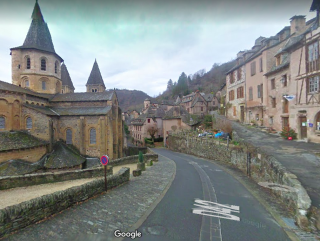 Conques.entrance from GR65.google map view
