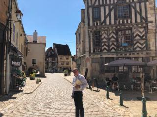 Noyers-sur-Serein.town center.Aug2018