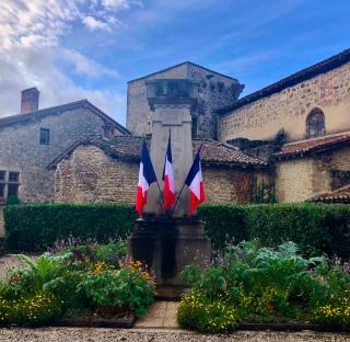 Perouges.Monument aux Morts.Nov 10  2019