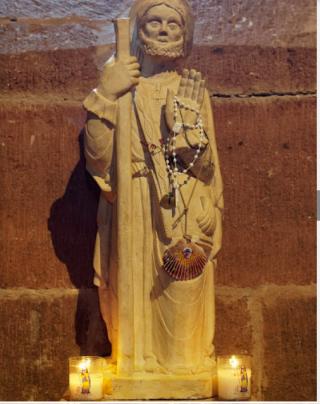 Espalion.Chapelle de Perse.St James statue.google