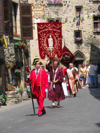 Estaing.feast day of St Fleuret procession.tourism bureau