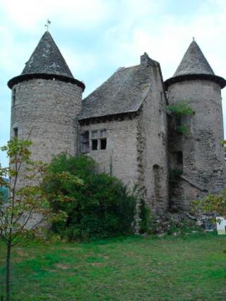 Sénergues.chateau.base Merimee