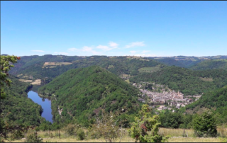 Estaing.view from the GR6.L'arch d'yvann website